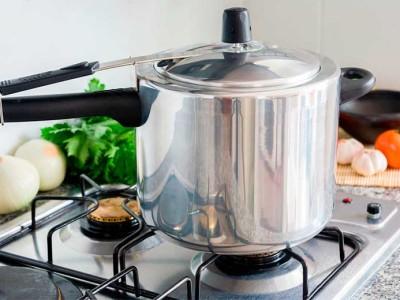 como-funciona-e-como-usar-panela-de-pressao-dicas-e-cuidados-para-cozinhar-com-seguranca