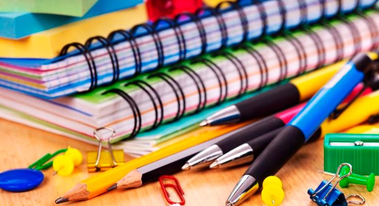 2.-Canetas-e-materiais-escolares